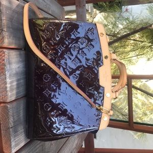 Amarante Monogram Vernis Louis Vuitton Brea MM